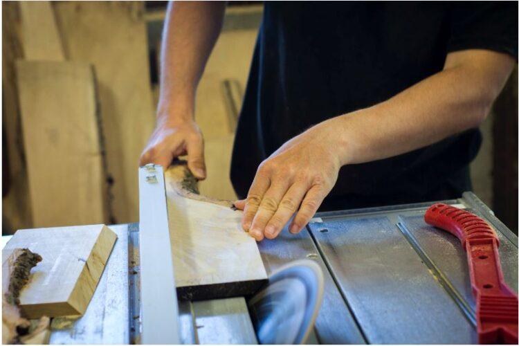 Couper du bois sans éclats